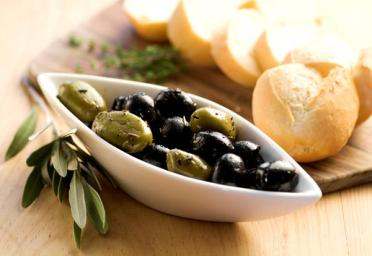 olives n bread